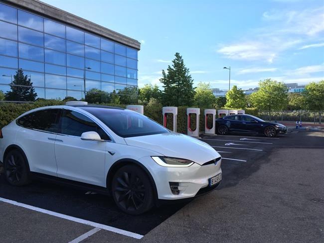 Tesla abre un nuevo supercargador en Getafe y ya cuenta con 23 en toda España