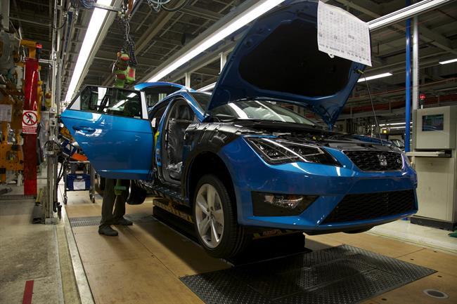 la producción española de vehículos aumenta un 25% en agosto hasta 99.065 unidades