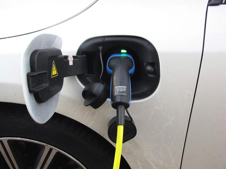 Cómo cuidar la batería del coche eléctrico